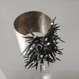 Fotini, armband verzilverd/suede