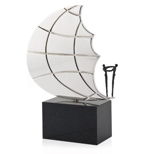 Luxe relatiegeschenken van Artihove - Sculptuur - Verzilverd, verbronsd - Aan de voet van een andere wereld - 011026MSZ kopen in de Artihove sculpturen shop - 011026MSZ