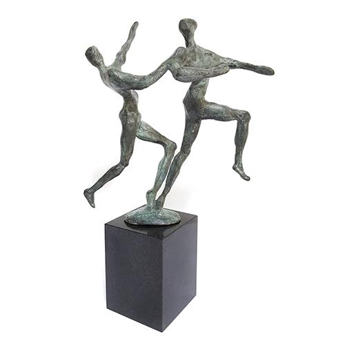 Luxe relatiegeschenken van Artihove - Sculptuur - Brons - Aanstekelijk enthousiasme - 014989MSB kopen in de Artihove sculpturen shop - 014989MSB