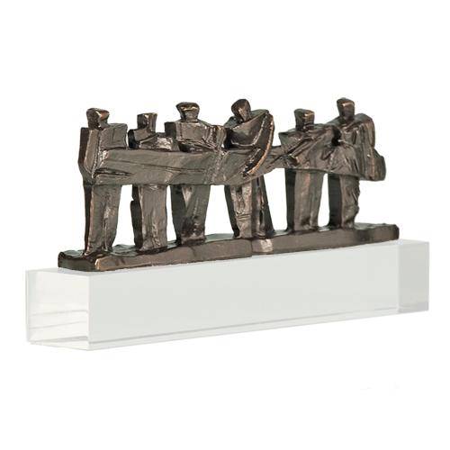 Luxe relatiegeschenken van Artihove - Sculptuur - Verbronsd - Samen de zaak van de grond tillen - 016595MSLQ kopen in de Artihove sculpturen shop - 016595MSLQ