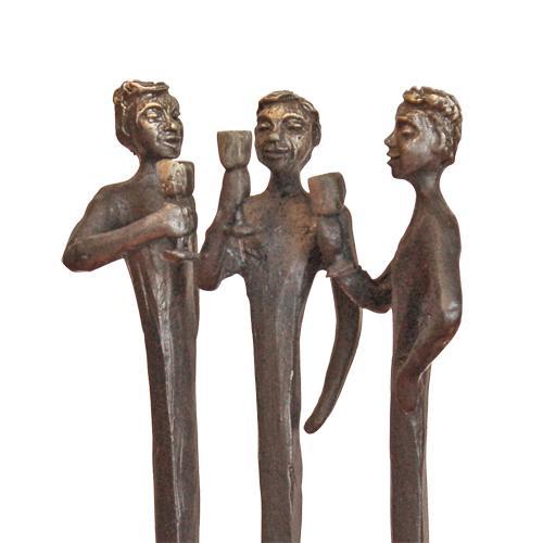 Luxe relatiegeschenken van Artihove - Sculptuur - Verbronsd - Met elkaar proosten wij erop - 017633MSLQ kopen in de Artihove sculpturen shop - 017633MSLQ