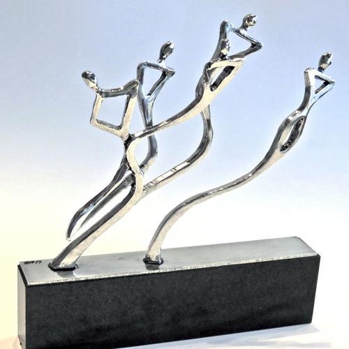 Luxe relatiegeschenken van Artihove - Sculptuur - Verzilverd - De dynamiek van samenwerken - 018520MZGQ kopen in de Artihove sculpturen shop - 018520MZGQ