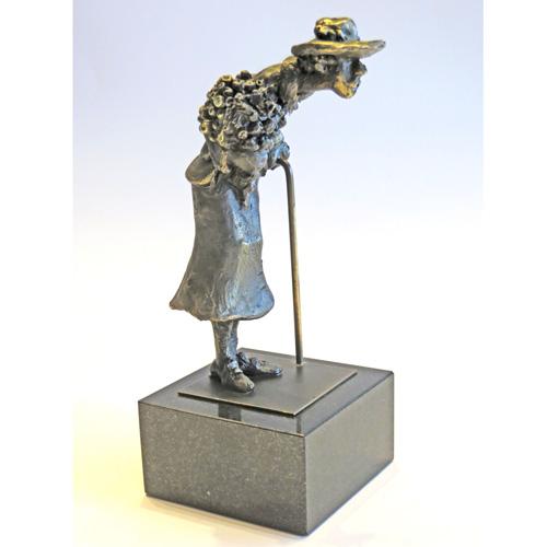 Luxe relatiegeschenken van Artihove - Sculptuur - Verbronsd - Sarah - 018530MSLQ kopen in de Artihove sculpturen shop - 018530MSLQ