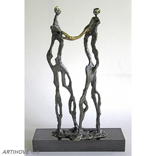Luxe relatiegeschenken van Artihove - Sculptuur - Verbronsd - Een handdruk van goud - 018908MSL kopen in de Artihove sculpturen shop - 018908MSL