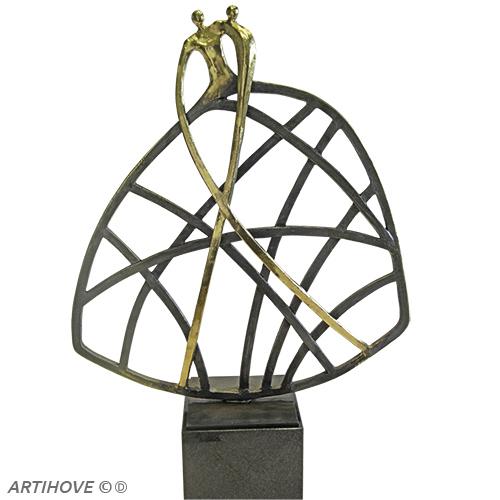 Luxe relatiegeschenken van Artihove - Sculptuur - Verbronsd - Met de wind in de zeilen - 018915MSLQ kopen in de Artihove sculpturen shop - 018915MSLQ
