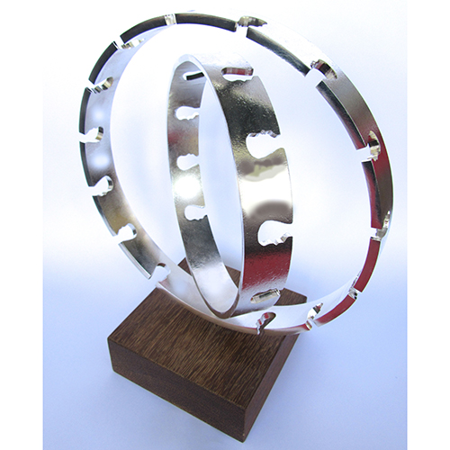 Luxe relatiegeschenken van Artihove - Sculptuur - Verzilverd - Alles draait om - 018981MZG kopen in de Artihove sculpturen shop - 018981MZG