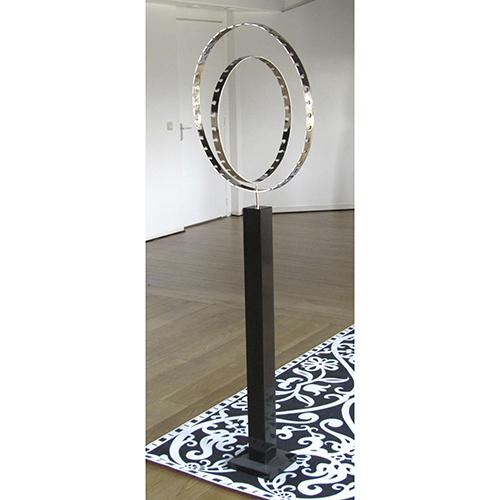 Luxe relatiegeschenken van Artihove - Sculptuur - Zilverkleurig - Alles draait om - 019077MZG kopen in de Artihove sculpturen shop - 019077MZG