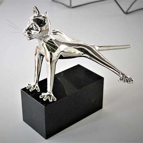 Luxe relatiegeschenken van Artihove - Sculptuur - Zilverkleurig - Haasje over! - 019078MZG kopen in de Artihove sculpturen shop - 019078MZG