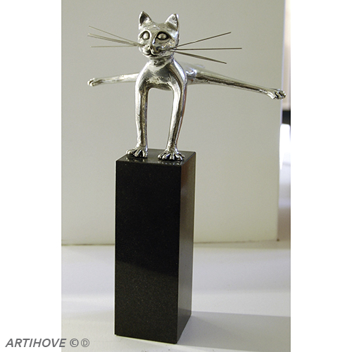 Luxe relatiegeschenken van Artihove - Sculptuur - Zilverkleurig - Haasje over! - 019079MZG kopen in de Artihove sculpturen shop - 019079MZG