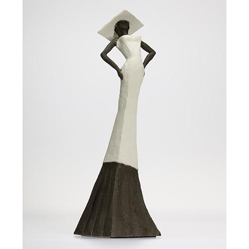 Luxe relatiegeschenken van Artihove - Sculptuur - Keramiek - Straatman, bruid sotra - EST001012 kopen in de Artihove sculpturen shop - EST001012