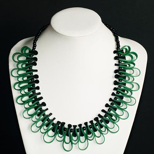 Luxe relatiegeschenken van Artihove - Geschenk Tjon a ten, ketting zwart/groen - EVIM000008 kopen van Artihove    - EVIM000008