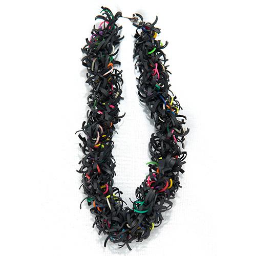 Luxe relatiegeschenken van Artihove - Geschenk Tjon a ten, ketting div. kleuren - EVIM000010 kopen van Artihove    - EVIM000010