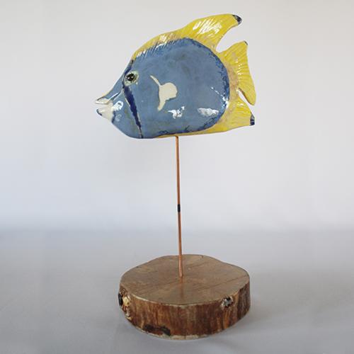Luxe relatiegeschenken van Artihove - Geschenk Scholten, vis lila, geel - ILSM000024 kopen van Artihove | Keramische sculpturen - ILSM000024