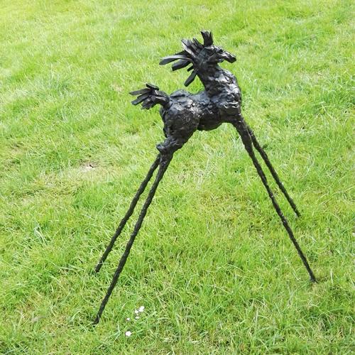 Luxe relatiegeschenken van Artihove - Sculptuur - Brons - Paard op hoge benen - ROBM001001 kopen in de Artihove sculpturen shop - ROBM001001