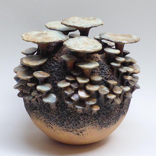 Luxe relatiegeschenken van Artihove - Geschenk Van der wel, paddenstoelenbol bruin - WELM001034 kopen van Artihove | Keramische sculpturen - WELM001034